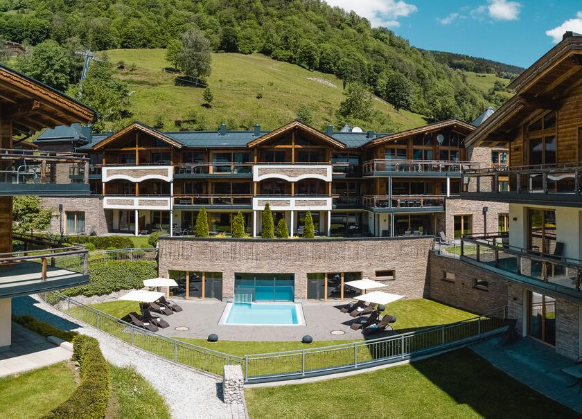 apartment with outdoor pool wildkogel